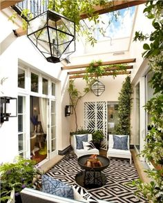 With the most suitable style and decor, you can make a lovely patio area for your home. You can receive the help, ideas, and the patio decor you will need to make the ideal area in your house. Decide where you would like your patio. Future House, Style At Home, Outdoor Patio Designs, Backyard Ideas, Backyard Seating, Balcony Ideas, Backyard Retreat, Pool Ideas, Alfresco Designs