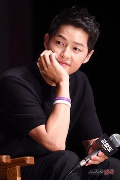 Korean Celebrities, Korean Actors, Asian Actors, Beautiful Songs, Love Songs, Descendants, Dramas, Song Joong Ki Birthday, Soon Joong Ki