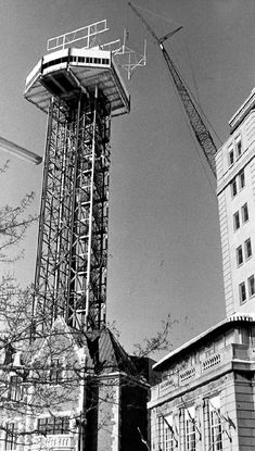 Construction work on the tower at Maple Leaf Village Park complex - Details Niagara Falls Pictures, Bridge Construction, 10 Picture, Covered Bridges, The Good Old Days, Ontario, Vintage Photos, Around The Worlds, Tower