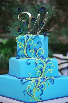Peacock Colored Wedding Cake!!!