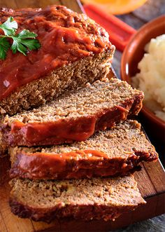 by Tiffany Ludwig Why weeknight? Because this is a simple, quick meatloaf recipe to pop in the oven as soon as you get home. By the time you're ready to eat, it's ready for you! You can even prepare it before heading out in the morning, just keep it in the refrigerator until ready to cook, and dinner is on the table. Serve it with the all-time favorite, mashed potatoes, or change it up with some roasted cauliflower! Enjoy Weeknight Meatloaf Recipe by Tiffany Ludwig Ingredients 1 lb fr...