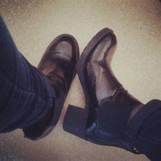 Good mornig #solecollector #soleonfire #boots  #heels #girl #shoeporn #fashion #swag #instagood #fresh #photooftheday  #shoegasm #kickstagram #walklikeus  #flykicks http://butimag.com/ipost/1496195621442732461/?code=BTDjf2SlsGt