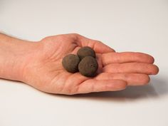 Seedbombs, Samenbomben oder Samenbälle? Wie auch immer - auf jeden Fall sind das Bomben-Dinger! #Seedbombs #GuerillaGardening