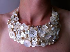 love this == make with mother of pearl buttons