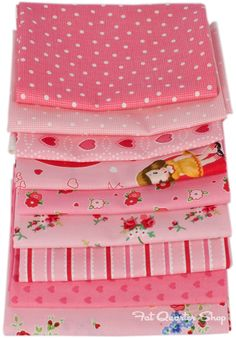 Amour Fat Quarter Bundle