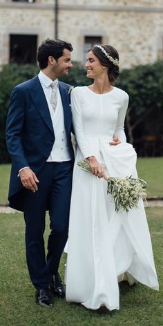 Plain Wedding Dress, Classy Wedding Dress, Western Wedding Dresses, Long Sleeve Wedding, Perfect Wedding Dress, Designer Wedding Dresses, Casual Wedding, Simple Wedding Dress With Sleeves, Trendy Wedding