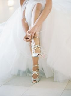 Bride in Jimmy Choo | photography by http://rochellecheever.com/