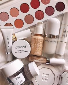Mostly white ✨i like pairing dewy primers and matte foundations together to give it a satin finish 💁♀️ e. Makeup Geek Cosmetics, Makeup Geek Eyeshadow, Drugstore Makeup, Eye Makeup, Makeup Geek Swatches, Makeup Geek Palette, Charlotte Tilbury, Sephora, High End Makeup Brands