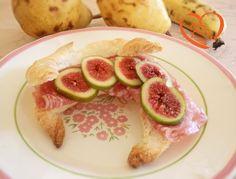 Croissant salato con fichi e salame