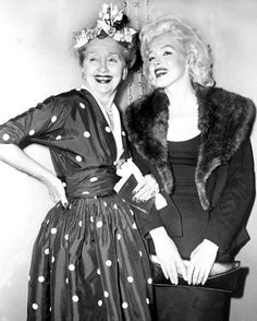 Chicago Tribune-News Syndicate reporter Hedda Hopper and Marilyn Monroe smile at the Plaza Hotel.