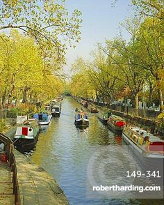 Houseboats at Little Venice on the Regent's Canal, Maida Vale, London, England, UK
