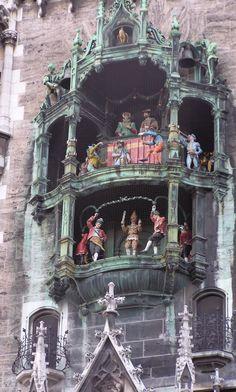 Rathaus-Glockenspiel in Marienplatz, Munich, Germany. Best  memories and apple strudel!!!!