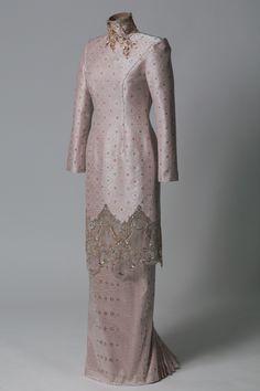 New Dress Brokat Modern Lace Ideas Muslimah Wedding Dress, Muslim Wedding Dresses, Designer Wedding Dresses, Wedding Attire, Dress Muslimah, Trendy Dresses, Fashion Dresses, Dress Brokat Modern, Malay Wedding Dress