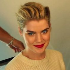 GIF Tutorial: How to Do a Mad Men-Inspired Holiday Updo