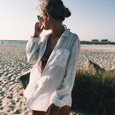Raise and shine our Mischka girls, it is the beginning of a beautiful Sunday morning - mode sommer - Sunday Plans Outfit Strand, Beach Poses, Beach Shoot, Inspiration Mode, Models Off Duty, Summer Photos, Beach Babe, Beach Fun, Summer Of Love
