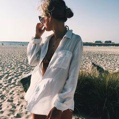 Raise and shine our Mischka girls, it is the beginning of a beautiful Sunday morning - mode sommer - Sunday Plans Beach Look, Beach Babe, Beach Fun, Beach Bum Style, Summer Photos, Beach Photos, Models Off Duty, Insta Photo, Mode Style