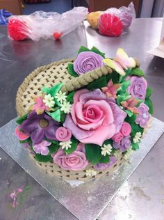 Mothers day, basket of flowers cake https://www.facebook.com/zoesfancycakes