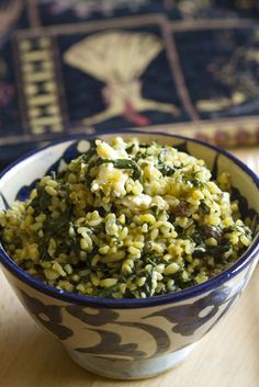 Bulgur con espinacas y queso de cabra 3 Diet Recipes, Vegan Recipes, Cooking Recipes, Bulgur Salad, Grits Recipe, Lebanese Recipes, Salad Dressing Recipes, Healthy Drinks, Vegan Vegetarian