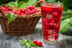 This is a delicious non-alcoholic cocktail bursting with fruity flavours and a subtle sharpness of lime. New Years Detox, Raspberry, Strawberry, Non Alcoholic Cocktails, Health And Wellness, Smoothies, Cookies, Fruit, Healthy