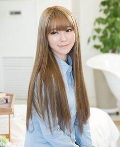 Her hair. *_* Her hair. Rose Gold Hair Brunette, Ash Blonde Hair, Korean Hair Color, Hair Color For Black Hair, Curly Hair Cuts, Curly Hair Styles, Pretty Hairstyles, Hairstyles With Bangs, Asian Hair Bangs