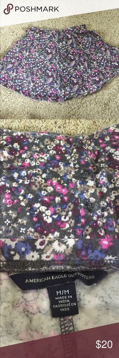 American Eagle 🦅 M Floral Skater Skirt w Buttons Medium floral skater skirt with buttons down the front. Really cute, just never wear it anymore American Eagle Outfitters Skirts Circle & Skater