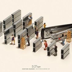 Bigger doesn't always mean better, as Japanese artist Tatsuya Tanaka proves with these tiny dioramas that he makes for his ongoing Miniature Calendar project. Photoshop Design, Little People Big World, Photo Macro, Miniature Calendar, Miniature Photography, Tiny World, Miniature Figurines, Mini Things, Small Art