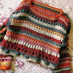 Crochet jumper in etnic style Pull Crochet, Crochet Jumper, Crochet Crop Top, Crochet Blouse, Knit Crochet, Crochet Baby, Crochet Clothes, Diy Clothes, Crochet Crafts