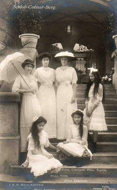 Großherzogin Adelheid von Luxemburg mit ihren Schwestern auf Schloß Colmer - Berg | Flickr - Photo Sharing!