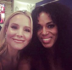 Kristen Bell and Kerry Washington at the 2016 Emmy Awards