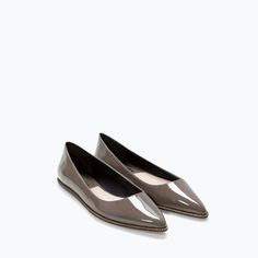 Image 4 of ZIPPED POINTY BALLET FLAT from Zara