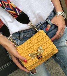Bag Crochet, Crochet Handbags, Crochet Purses, Crochet Clothes, Crochet Stitches, Crochet Bag Tutorials, Crochet Projects, Crochet Designs, Crochet Patterns