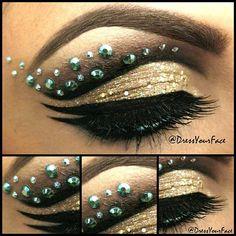 Wow what a beautiful smokey Egyptian eye....
