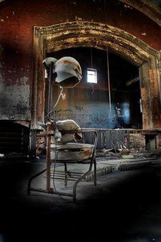 Hôpital psychiatrique anglais totalement à l'abandon : the Hellingly Asylum Mental Hospital.