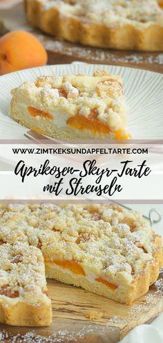 Wundervoll fruchtig, leicht und sommerlich lecker: mein einfaches Rezept für eine Aprikosen-Skyr-Tarte mit leckeren Streuseln. Einfach und schnell gebacken ist sie der perfekte Sommer-Genuss und dank Skyr auch nicht gleich auf den Hüften. #Aprikosen #tarte #lecker #einfach #skyr #streusel