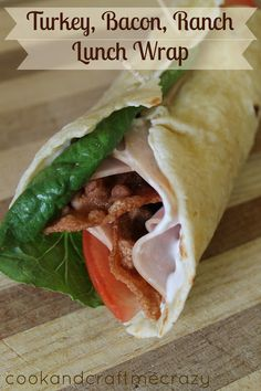 Turkey Bacon Ranch Lunch Wrap: 1 Healthy Homemade Tortilla 2 slices pre cooked bacon - placed in the microwave for seconds 2 slices of turkey lunchmeat 1 slice of tomato 1 Romaine Lettuce Leaf A spread of Mayonnaise A Spread of Ranch Dressing Lunch To Go, Lunch Menu, Breakfast Lunch Dinner, Lunch Snacks, Lunches And Dinners, Lunch Recipes, Healthy Snacks, Dinner Recipes, Healthy Eating