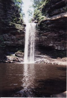 stand under a waterfall Arkansas Waterfalls, Petit Jean State Park, Places Ive Been, Places To Go, Central States, Go Usa, Get Outside, Wabi Sabi, Vacation Spots