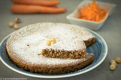 Dolce alle carote e nocciole tostate