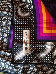 26 meilleures images du tableau foulard en soie Pierre Balmain ... a908a9b7c07