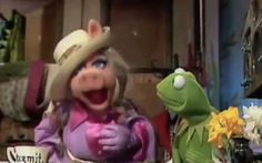 "Miss Piggy Sings Rihanna's ""BBHMM"": ""Vulture Remix"" Episode 4"