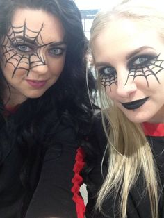 Looking for for ideas for your Halloween make-up? Browse around this website for unique Halloween makeup looks. Halloween Makeup For Kids, Cute Halloween Makeup, Halloween Eyes, Kids Makeup, Halloween Makeup Looks, Easy Halloween, Makeup Pics, Spider Halloween Costume, Vintage Halloween