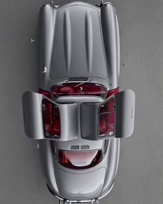 Overhead shot off a Mercedes Benz #300SL #Gullwing / @arthurbechtelclassicmotors / #300SLRestorations