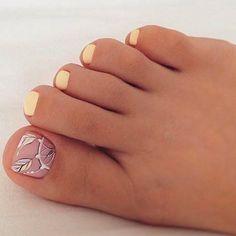 44 new ideas for gel pedicure designs toenails Pretty Toe Nails, Cute Toe Nails, Pretty Toes, Love Nails, Diy Nails, Toe Nail Color, Toe Nail Art, Nail Colors, Pedicure Designs