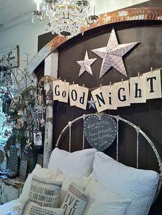 Rustic Yet Glamorous Christmas Bedroom