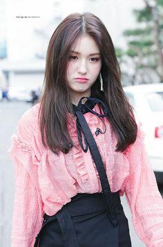 Jeon Somi Kpop Girl Groups, Kpop Girls, Korean Beauty, Asian Beauty, Korean Girl, Asian Girl, K Pop, Pre Debut, Jeon Somi
