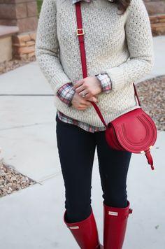 Beige Sweater, Red Plaid Shirt, Denim Leggings, Red Wellies, Red Crossbody Bag, Banana Republic, J.Crew Factory, Gap, Hunter Boots, Chloe 4