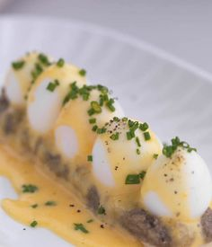 Quail Egg Feuillete Recipe With Mushroom Compote & Hollandaise - Great British Chefs. With regular eggs you could put this on a buffet and everyone take one! Dinner Party Recipes, Brunch Recipes, Breakfast Recipes, Savory Breakfast, Sweet Breakfast, Breakfast Dishes, Egg Recipes, Cooking Recipes, Chef Recipes