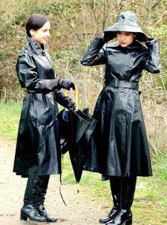 Rain coat Fashion Show - - Rain coat For Women Raincoat - - Black Raincoat, Pvc Raincoat, Hooded Raincoat, Rubber Raincoats, Rainy Day Fashion, Pvc Coat, Rain Gear, Raincoats For Women, Clothes For Women