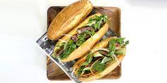 Swap in steak for pork in this unique take a classic Vietnamese banh mi sandwich. Banh Mi Recipe, Banh Mi Sandwich, Sandwich Board, Cooking The Perfect Steak, Ribs On Grill, Juicy Steak, Barbecue Recipes, Tailgating Recipes, Cooking Recipes