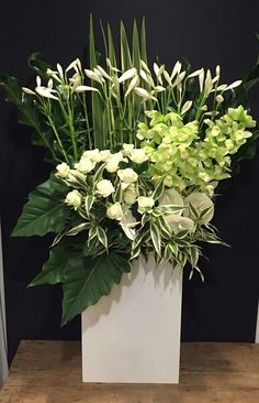 FUGA arranges in various atmospheres such as Japanese, … Home Flowers, Church Flowers, Floral Flowers, Condolence Flowers, Japan Flower, English Flowers, Large Flower Arrangements, Corporate Flowers, Unusual Flowers