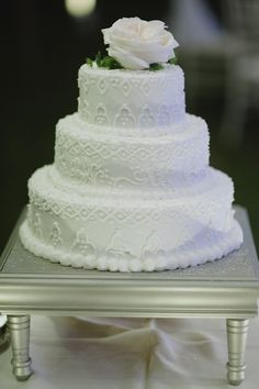 Gorgeous Three Tiered All White Wedding Cake Photo By Richard Israel